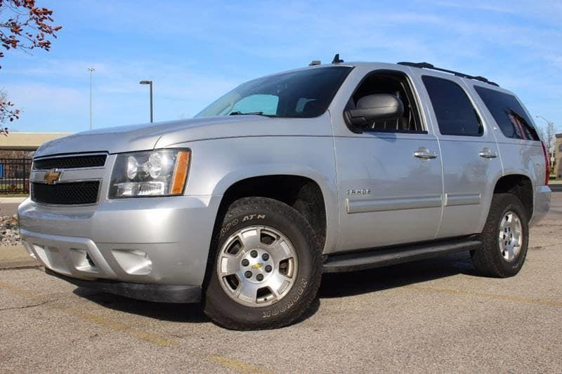 2010 CHEVROLET TAHOE LT 4X4 4DR SUV silver 4x4    3rd row seating plenty of room for the whole