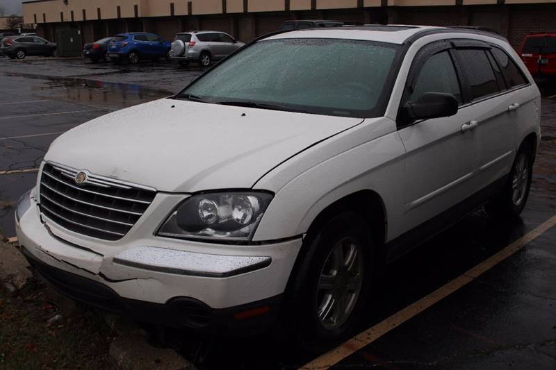 2005 CHRYSLER PACIFICA SIGNATURE SERIES 4DR WAGON white local trade in    3rd row seating plent