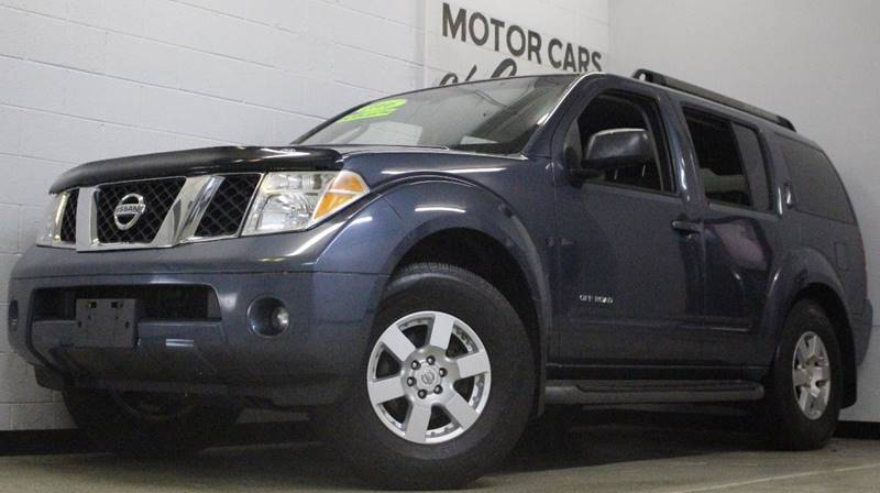 2005 NISSAN PATHFINDER SE OFF ROAD blue awd leather  third row seating clean  3 month 4000