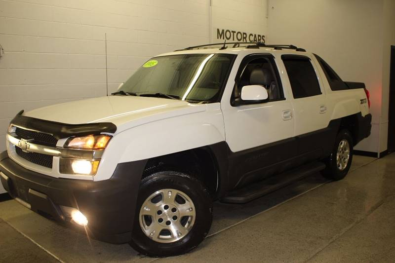 2005 CHEVROLET AVALANCHE 1500 Z71 white v8 4wd  dvd leather sunroof clean  3 month 4000 m