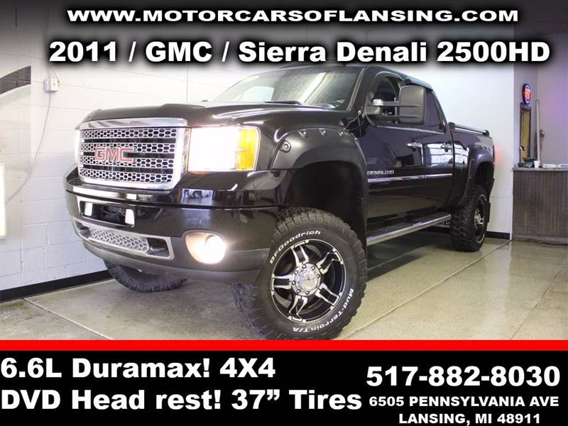 2011 GMC SIERRA 2500HD DENALI 4X4 4DR CREW CAB SB black sunroof leather wow this vehicle is load