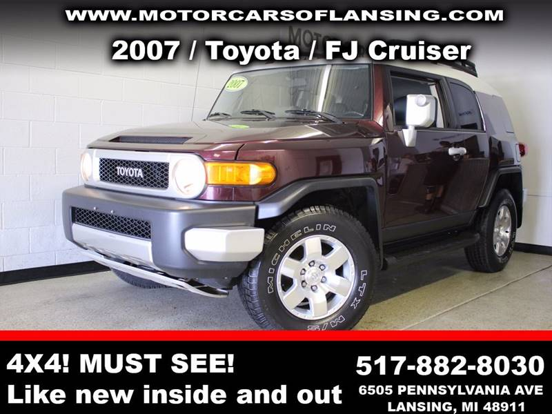 2007 TOYOTA FJ CRUISER BASE 4DR SUV 4WD 4L V6 5A maroon rather youre on or off road this vehi