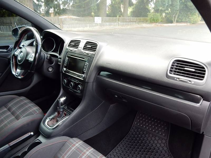 2011 Volkswagen GTI PZEV 4dr Hatchback 6A w/ Sunroof and Navigation - Seattle WA