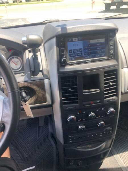 2010 Dodge Grand Caravan SXT 4dr Mini-Van - Eustis FL