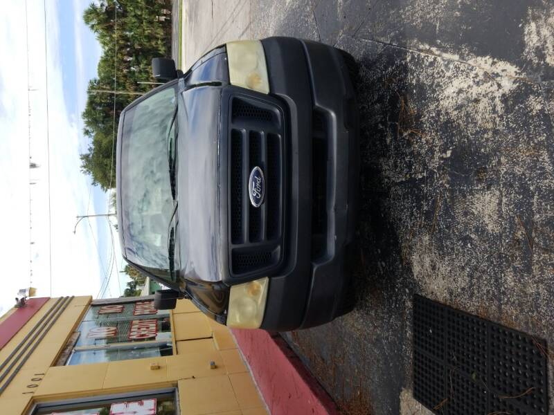 2005 Ford F-150 2dr Standard Cab XL Rwd Styleside 6.5 ft. SB - Eustis FL