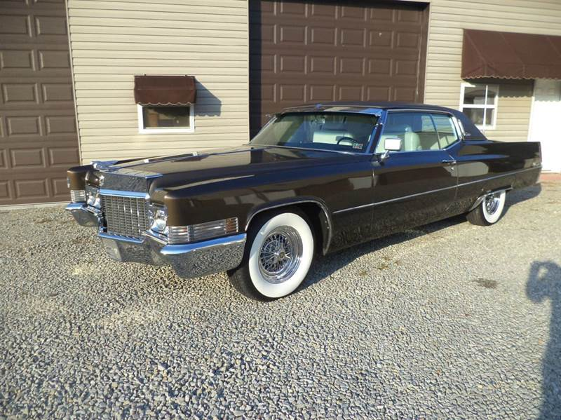 1970 Cadillac DeVille for sale at STARRY'S AUTO SALES in New Alexandria PA
