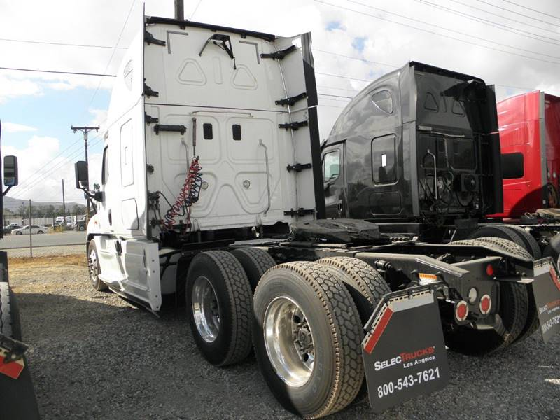 2015 Freightliner Cascadia In Fontana CA - PrimeTime Equipment