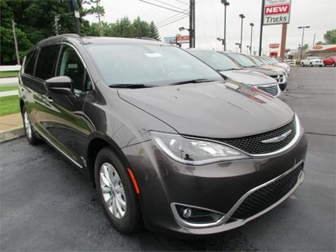 2017 Chrysler Pacifica for sale in Henderson, KY