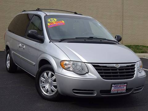 2005 Chrysler Town and Country for sale in Halethorpe, MD