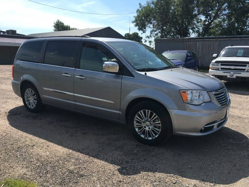 2013 Chrysler Town And Country Touring-L 4dr Mini-Van In Wood River