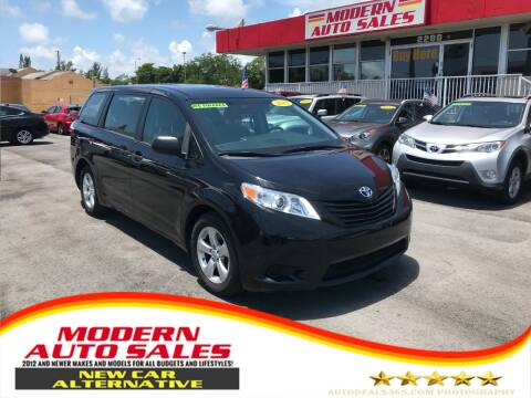 2017 Toyota Sienna for sale at Modern Auto Sales in Hollywood FL
