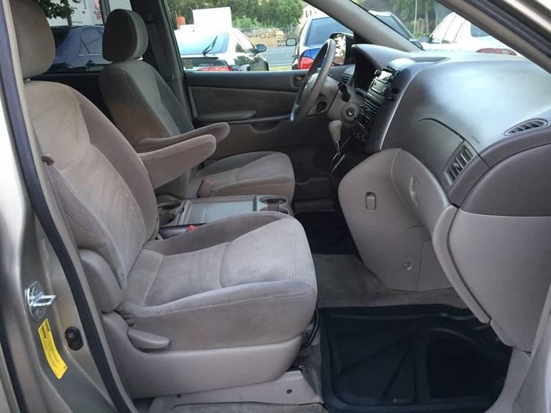 2006 Toyota Sienna LE 8-Passenger 4dr Mini-Van - Citrus Heights CA
