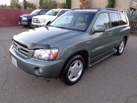 2004 Toyota Highlander for sale at C. H. Auto Sales in Citrus Heights CA