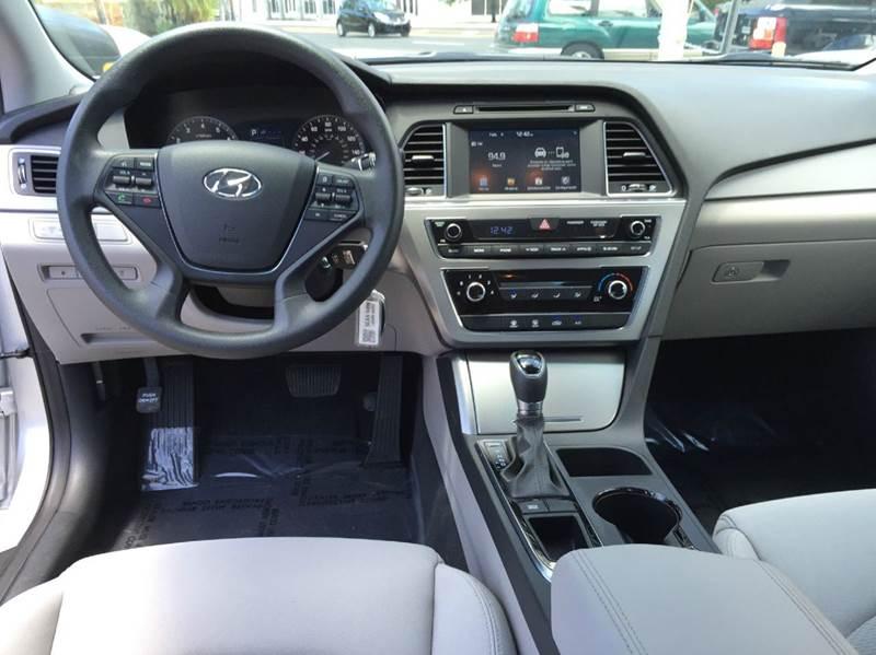 2016 Hyundai Sonata SE 4dr Sedan PZEV - Miami FL