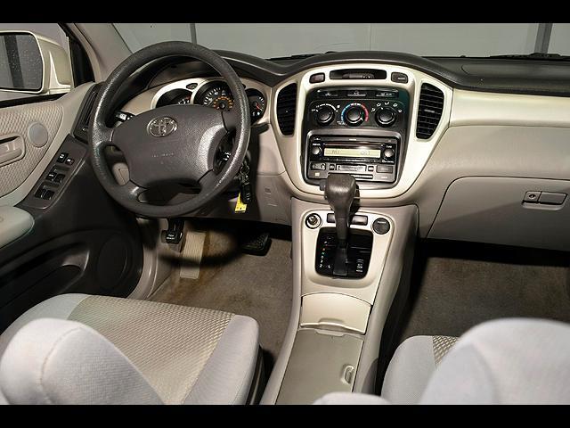 2005 Toyota Highlander 4dr V6 4WD w/3rd Row - Columbus OH