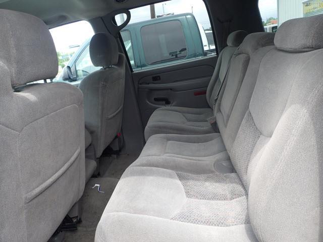 2004 Chevrolet Suburban LS Sport Utility 4D - Kearney NE