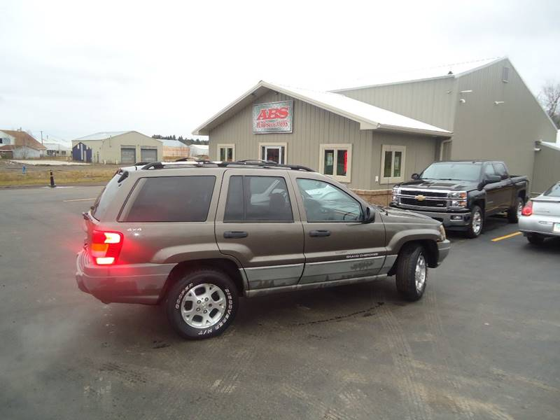 1999 Jeep Grand Cherokee for sale at Xtreme Auto Inc. in Hermantown MN