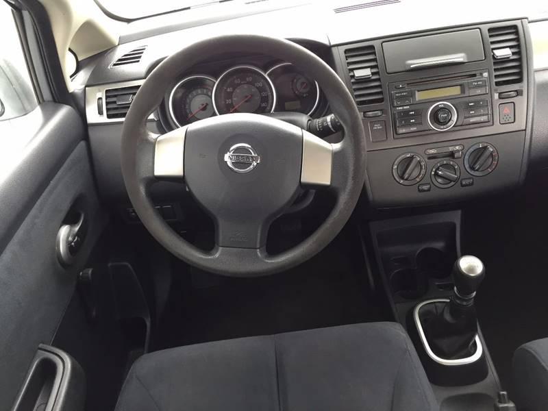2009 Nissan Versa 1.8 S 4dr Hatchback 6M - Auburn WA