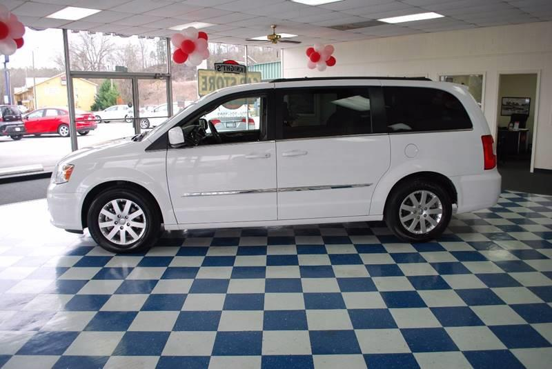 2016 Chrysler Town and Country Touring 4dr Mini-Van - Rome GA