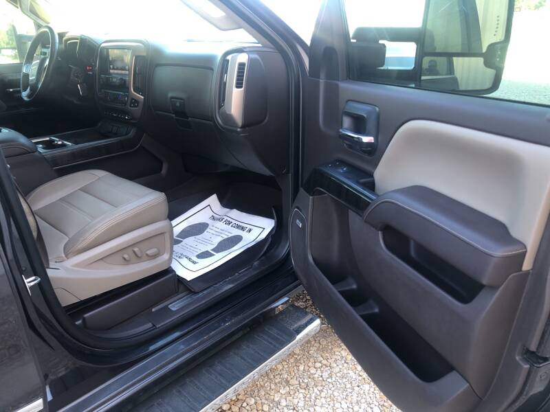 2015 GMC Sierra 3500HD 4x4 Denali 4dr Crew Cab LB SRW - Gainesville TX