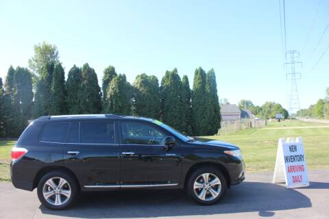 2012 Toyota Highlander for sale at D & B Auto Sales LLC in Washington Township MI