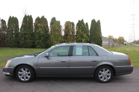 2006 Cadillac DTS for sale at D & B Auto Sales LLC in Washington Township MI