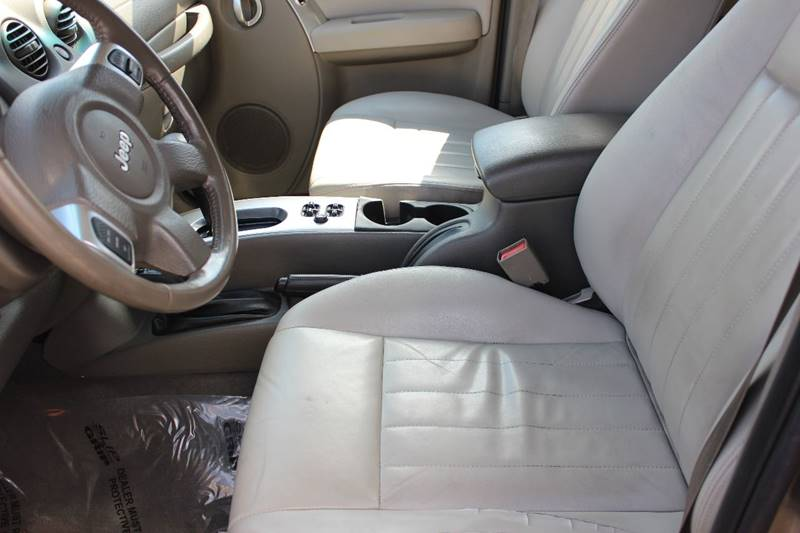 2006 Jeep Liberty Limited 4dr SUV 4WD w/ Front Side Curtain Airbags - Washington Township MI