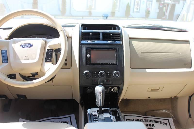 2008 Ford Escape Limited 4dr SUV - Washington Township MI
