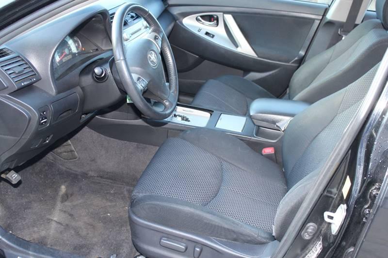 2011 Toyota Camry SE 4dr Sedan 6A - Holbrook MA
