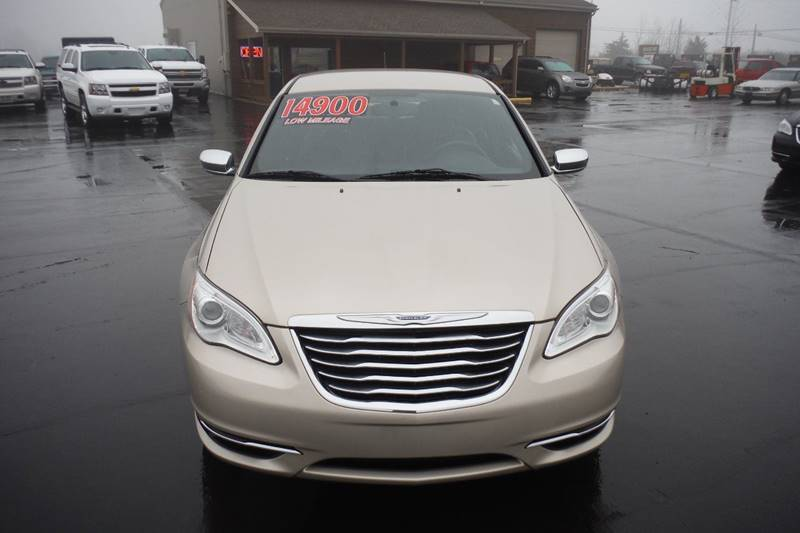2014 Chrysler 200 Limited 4dr Sedan - Bryan OH
