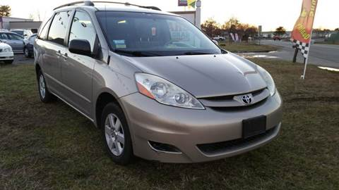 2006 Toyota Sienna for sale at Cars 4 Grab in Winchester VA