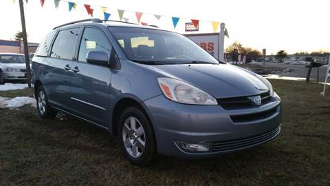 2004 Toyota Sienna for sale at Cars 4 Grab in Winchester VA