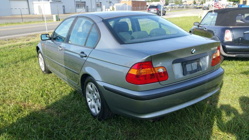 2004 BMW 3 Series 325i 4dr Sedan - Fredericksburg VA