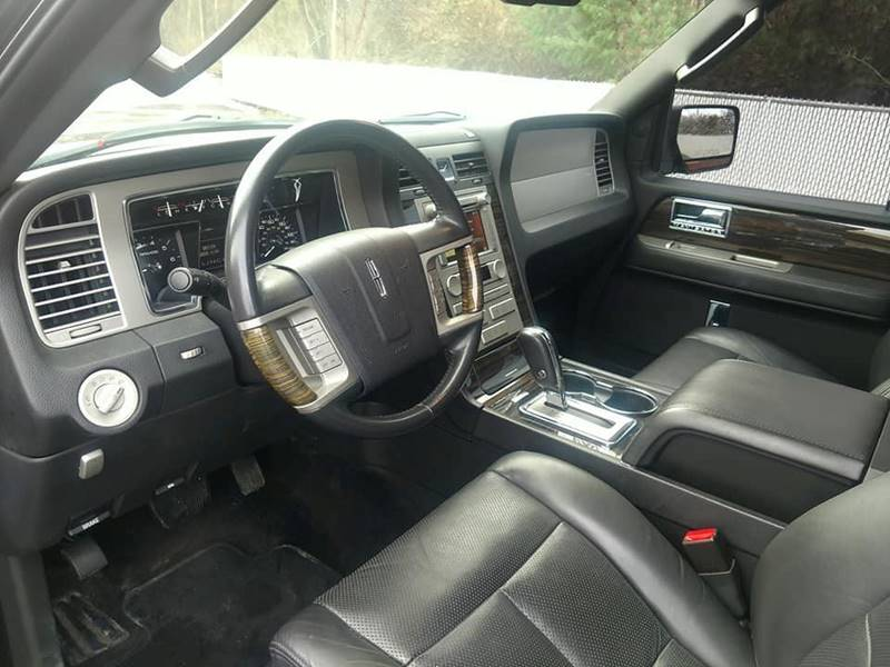 navigator lincoln middletown ct veh contact massirio in suv