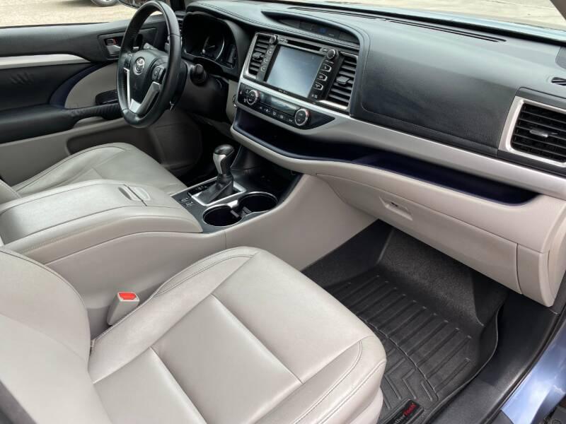 2014 Toyota Highlander XLE 4dr SUV - Austin TX