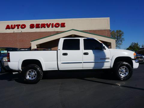 2005 GMC Sierra 2500HD for sale at Plainfield Auto Sales in Plainfield IN