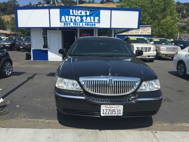 2006 Lincoln Town Car for sale at Lucky Auto Sale in Hayward CA