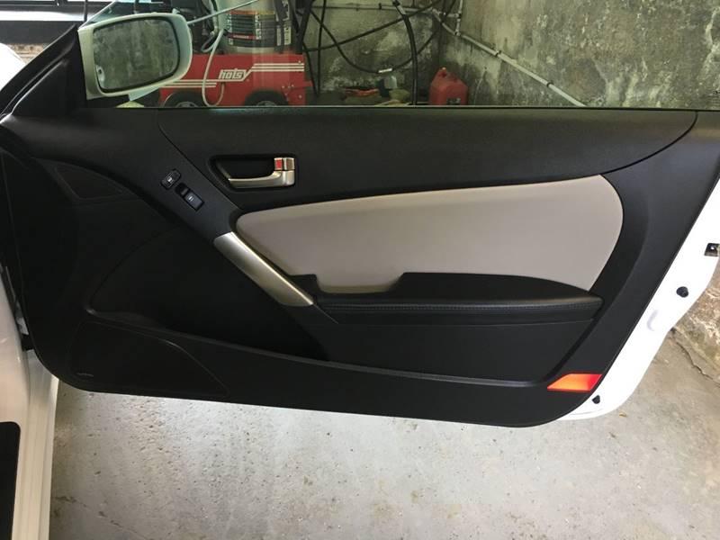 2014 Hyundai Genesis Coupe 2.0T 2dr Coupe 8A - Des Moines IA