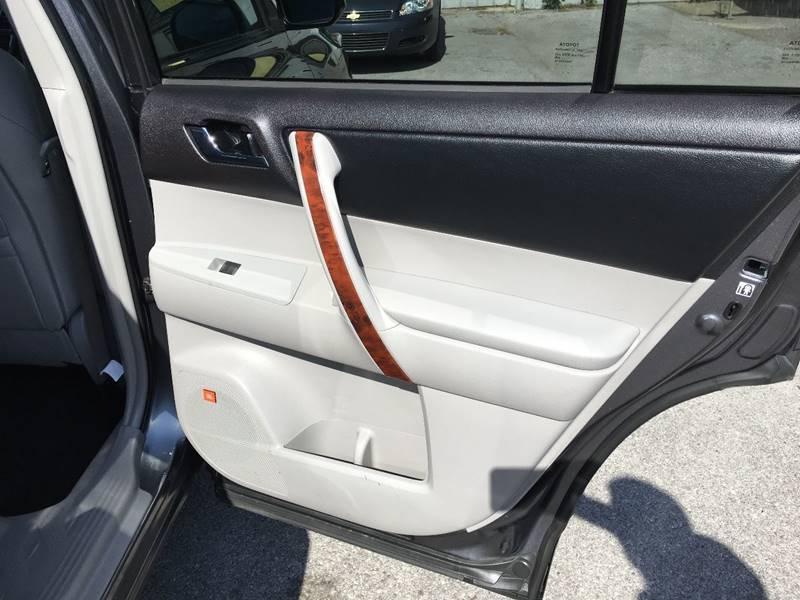 2013 Toyota Highlander Limited 4dr SUV - Des Moines IA