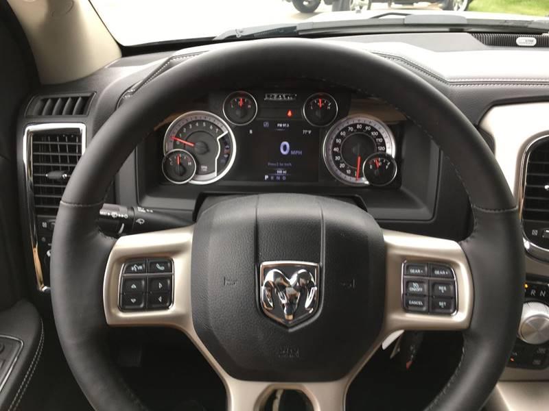 2017 RAM Ram Pickup 1500 4x4 Laramie 4dr Crew Cab 5.5 ft. SB Pickup - Des Moines IA