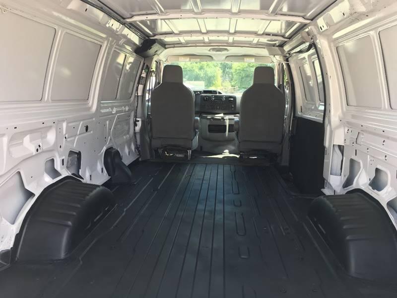 2013 Ford E-Series Cargo E-250 3dr Cargo Van - Des Moines IA