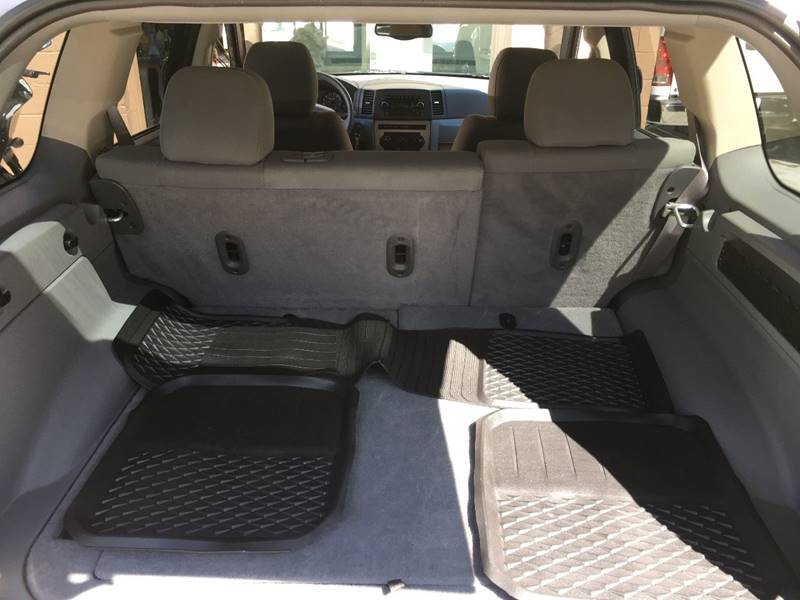 2006 Jeep Grand Cherokee Laredo 4dr SUV 4WD w/ Front Side Airbags - Des Moines IA