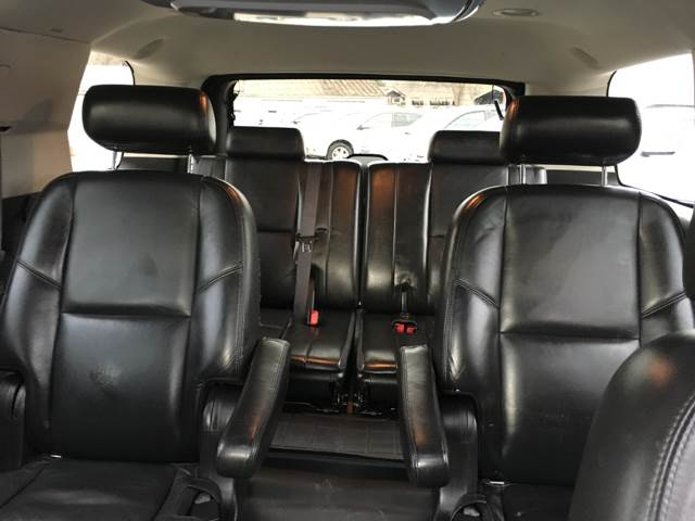 2009 Cadillac Escalade AWD 4dr SUV w/V8 Ultra Luxury Collection - Des Moines IA