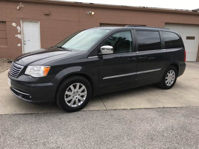 2011 Chrysler Town and Country Touring-L 4dr Mini-Van - Des Moines IA