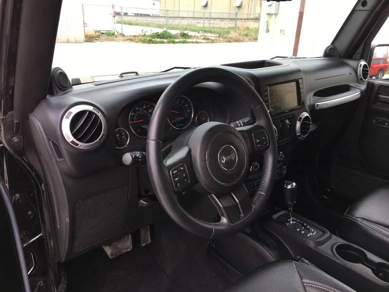 2013 Jeep Wrangler Unlimited 4x4 Sahara 4dr SUV - Des Moines IA