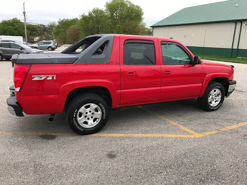 2005 Chevrolet Avalanche 4dr 1500 LT 4WD Crew Cab SB - Des Moines IA