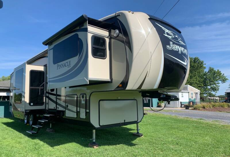 2016 Jayco Pinnacle Luxury 38FLSA  - North America AZ
