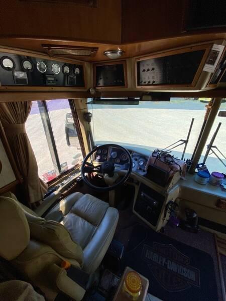 1985 Prevost Country Coach XL  - North America AZ