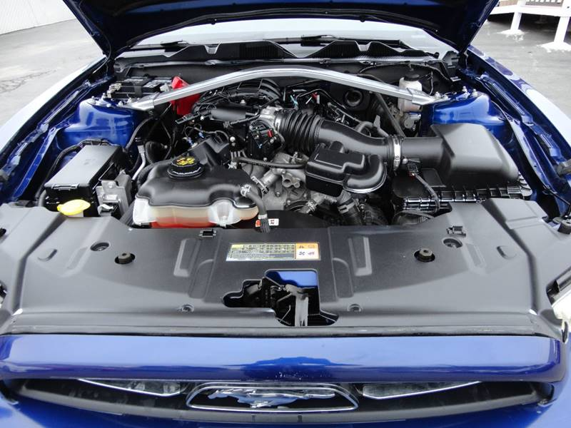 2013 Ford Mustang V6 2dr Coupe - Spring Valley CA