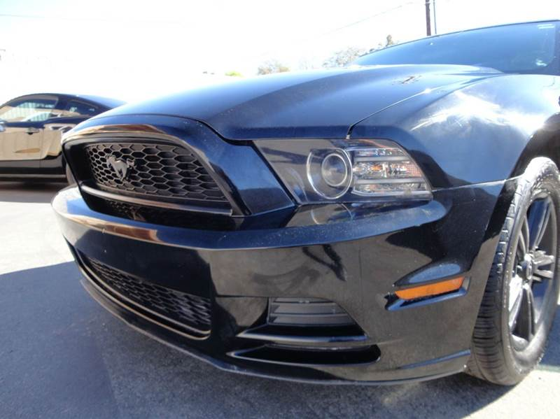 2014 Ford Mustang V6 2dr Coupe - Spring Valley CA
